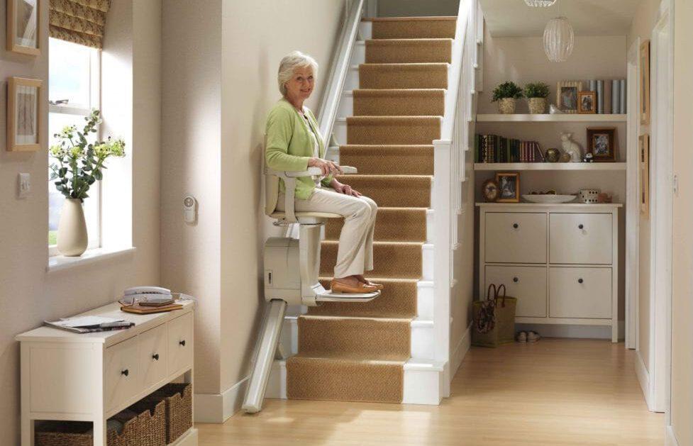 Stairlifts-straight-dolphin-devon-stannah