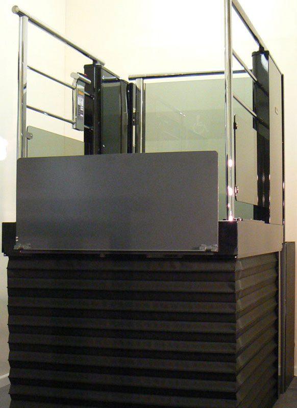 Wessex-LR-Black-Chrome-Raised2-step-lift
