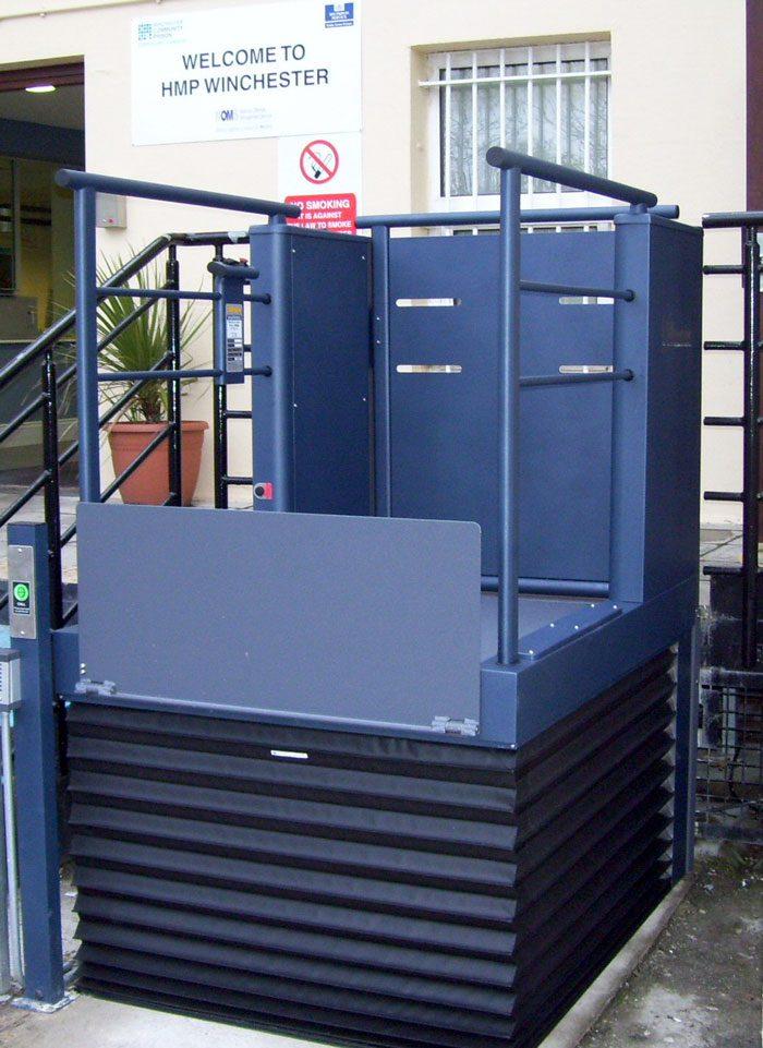 Wessex-LR-Blue-Steel-Gate-Raised-Step-Lift