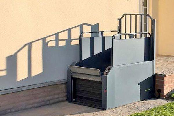 Devon-Step-Lift-Supplier-Dolphin-South-West