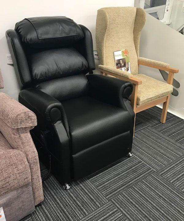 Riser-recline-Leather-Chair-dolphin-showroom-devon